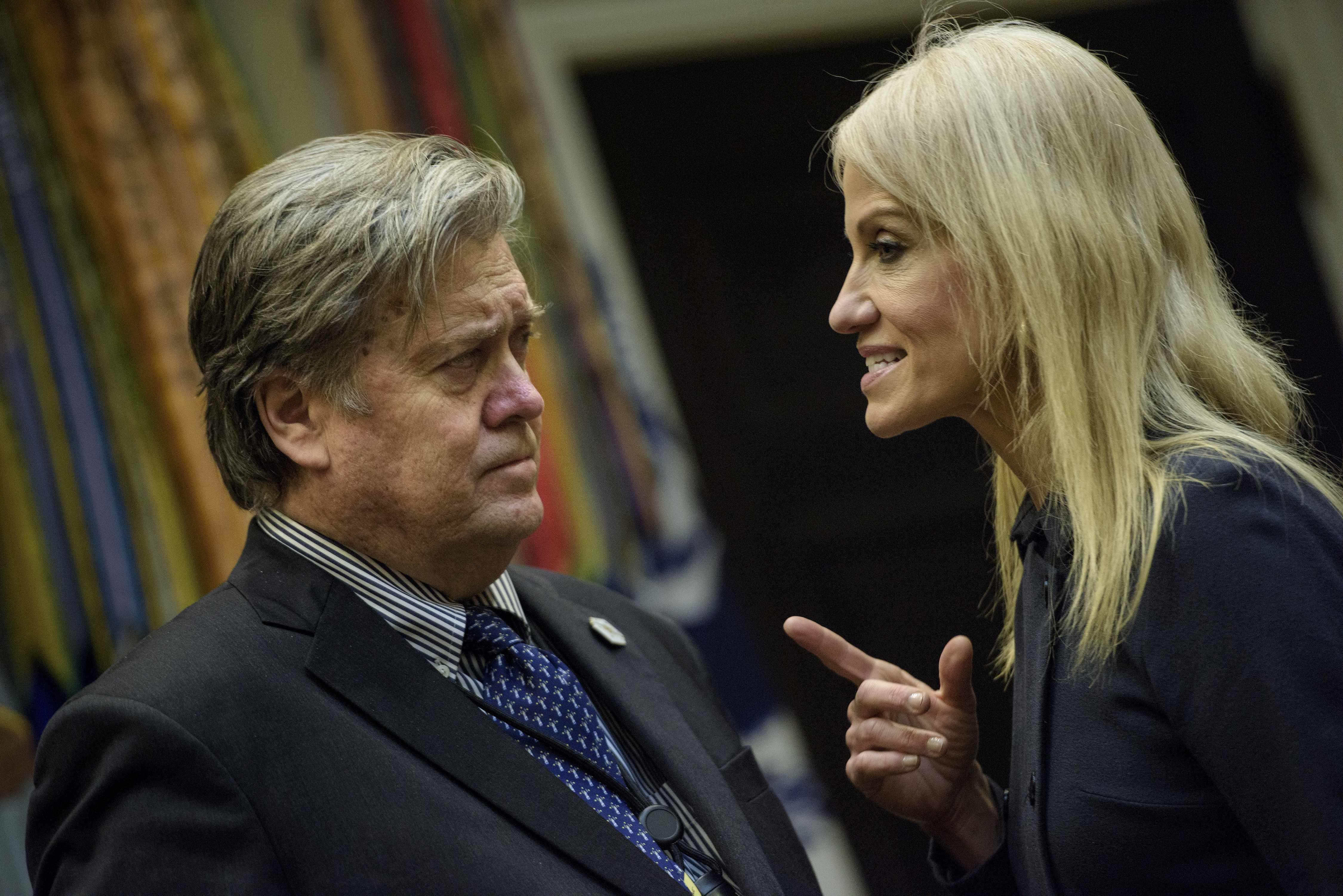 前白宮高級顧問巴農指出,柯恩與總統意見不合,理應辭職。(Getty Images)