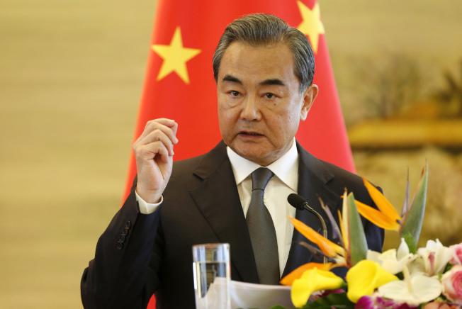 美國準備在聯合國安理會提案對北韓實行石油禁運等制裁措施,中國外交部長王毅表示,中方贊同聯合國安理會做出進一步反應,採取必要舉措。(中新社)