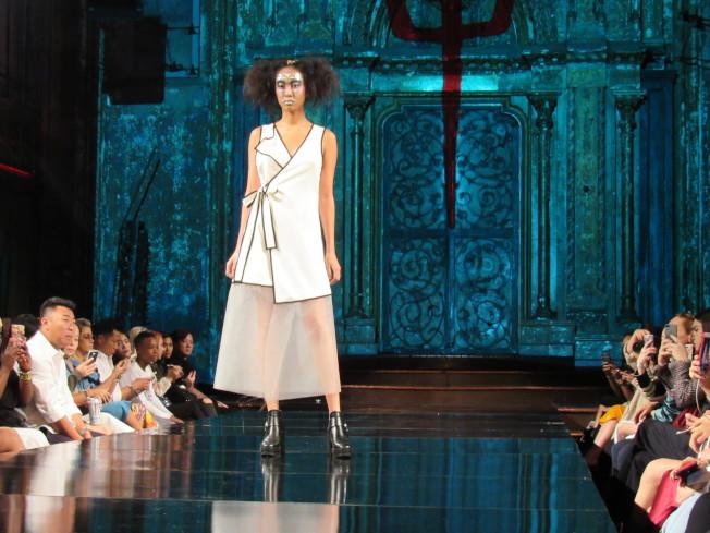 「To Be @Thrill」希望打破傳統時尚觀念,讓女性不需減肥也能夠展現自信美。(記者顏嘉瑩/攝影)