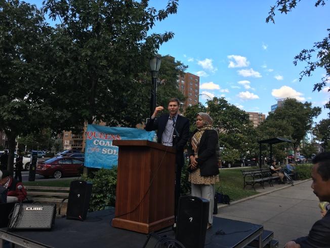 費爾德抗議DACA被廢,反對移民、種族、宗教等任何形式的歧視。(記者李碩/攝影)