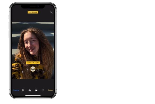 全新的人像光源模式可暗化背景、模擬光源投射在臉部。圖/摘自蘋果官網
