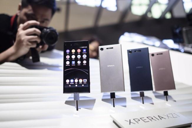 索尼公司推出新Xperia XZ1系列機型。(歐新社)