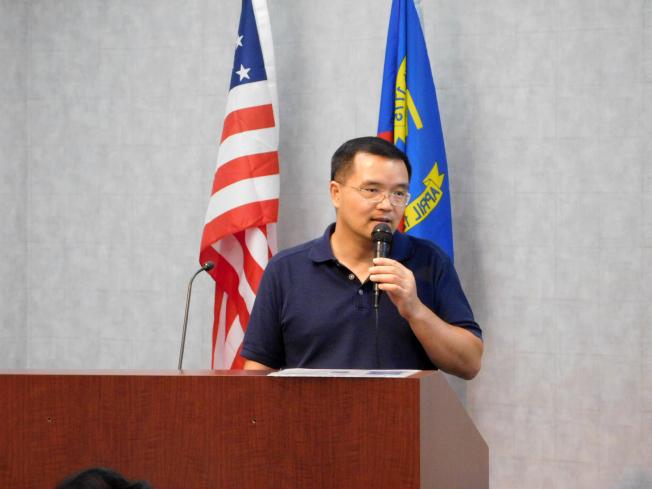 程寧強多次為北卡華人企業協會舉行房地產投資論壇。(記者王明心/攝影)