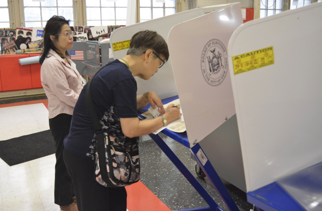 紐約市初選日,華埠投票站參與度高。(記者俞姝含/攝影)