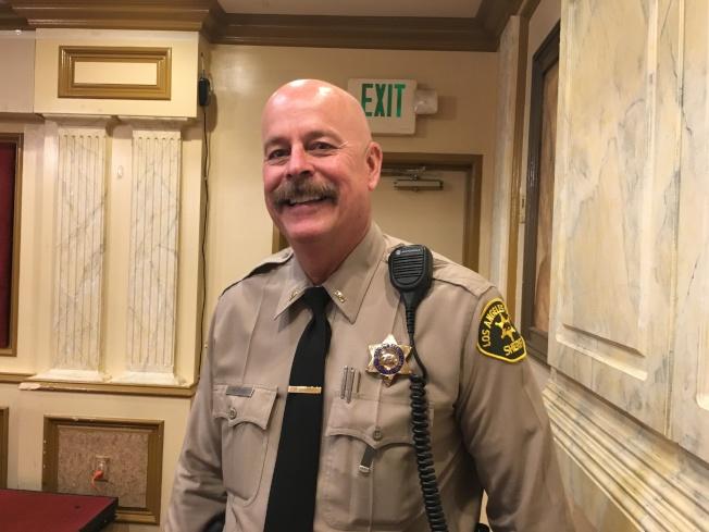 羅斯密市警察局長Robert Hahnlein希望民眾們能幫助警方辦案,如看到或聽到任何可疑事件或舉動,都可以舉報。(記者謝雨珊/攝影)