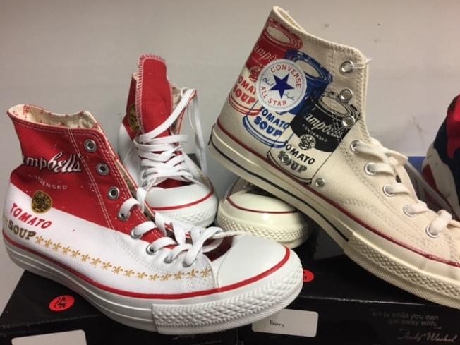 Converse 2015年的安迪沃霍紀念鞋款。(記者張宏/攝影)