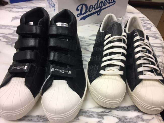 Adidas和日本潮牌合作的鞋款。(記者張宏/攝影)