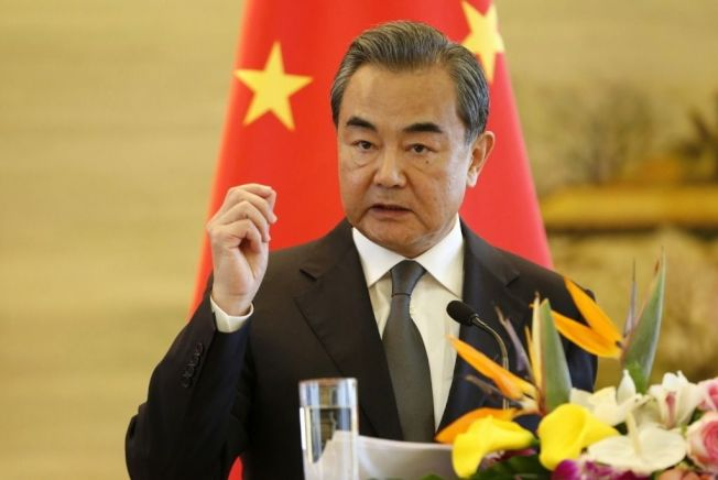 中國即將出書宣揚過去5年的「中國人權新成就」。中國外交部長王毅在新書撰序宣稱,「鞋子舒不舒服,只有腳知道」,中國人權狀況如何,中國人民最有發言權。中新社