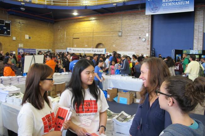 全市高中博覽會每年都吸引大批學生和家長參加。(記者金春香/攝影)