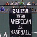 種族主義與棒球一樣「美國」? 球場標語令人錯愕