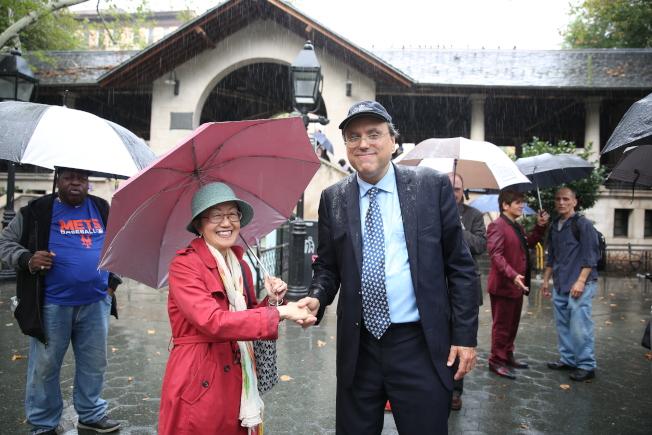 多年老對手陳倩雯(左)和郭亞倫握手言和。(記者洪群超/攝影)