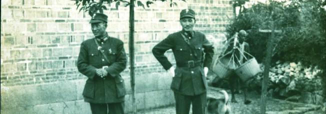 蔣介石與白崇禧曾是至交,圖為蔣介石(右)訪白崇禧(左)桂林家鄉。(圖:胡佛檔案館提供)