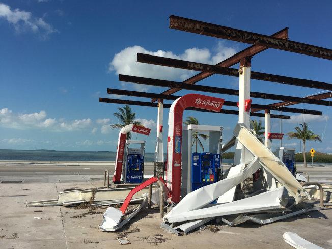 加油站被厄瑪颶風破壞。(路透)