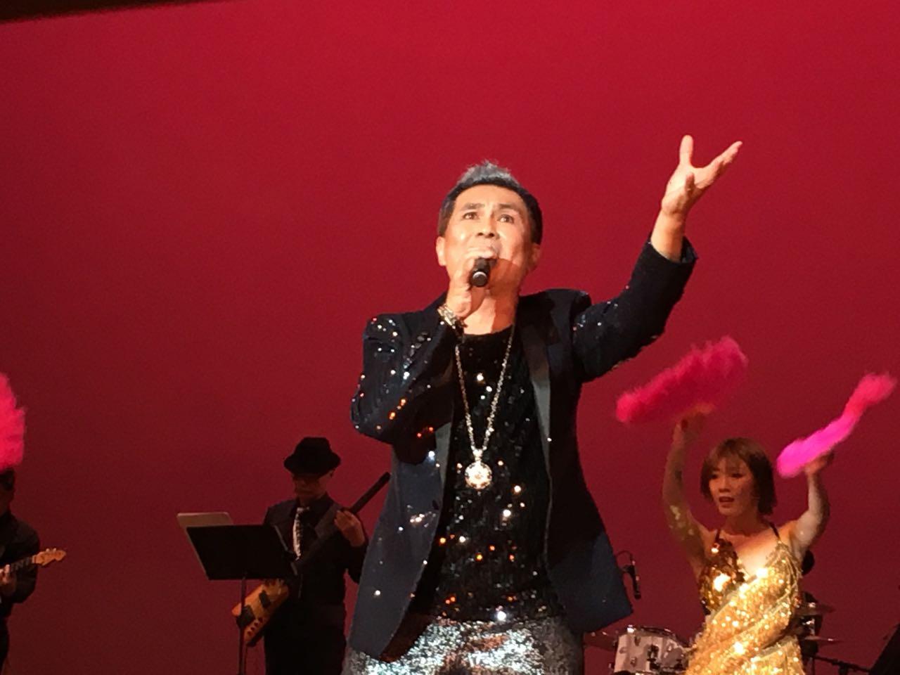 紐約搖滾天王James在雙十國慶綜藝晚會上演出。(記者王若然/攝影)