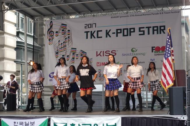 K-POP熱舞表演。(記者金春香/攝影)
