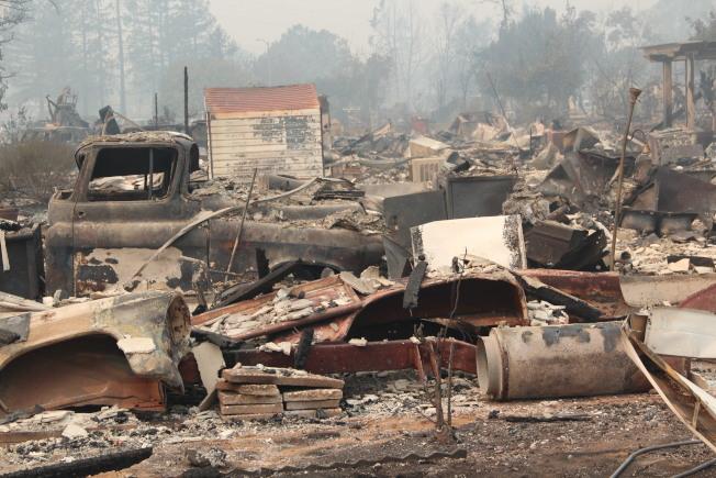 聖塔羅沙的Coffey Park社區已經燒成一片廢墟。(記者李晗 / 攝影)