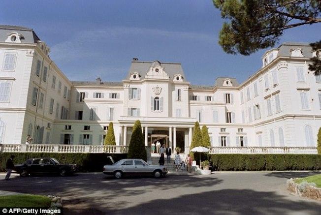 當時名不見經傳的義大利小明星愛莎阿根托,10日挺身而出指控溫斯坦2004年在這間法國du Cap-Eden-Roc別墅對她性侵。(Getty Images)