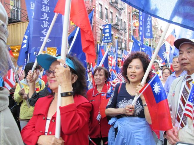 紐約中華公所於10日舉辦愛國大遊行,慶祝中華民國106年國慶。(記者顏嘉瑩/攝影)