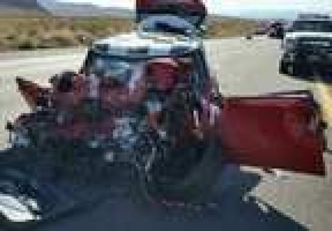 紅色Mini Cooper撞爛了。(內華達州公路巡警局)