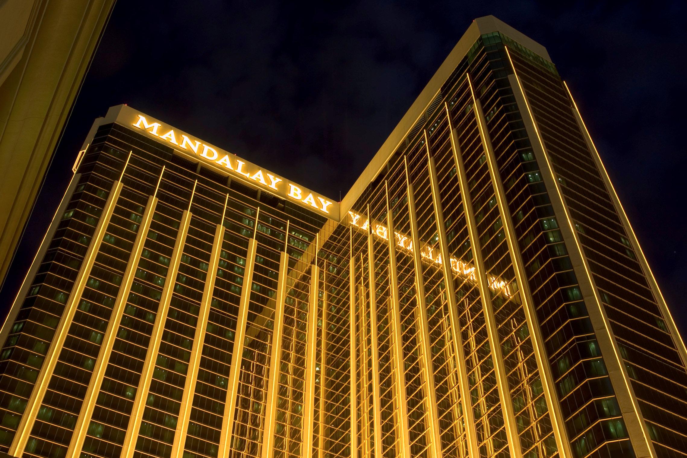 賭城拉斯維加斯Mandalay Bay賭場酒店10月1日深夜驚傳重大槍擊案。(路透檔案照)