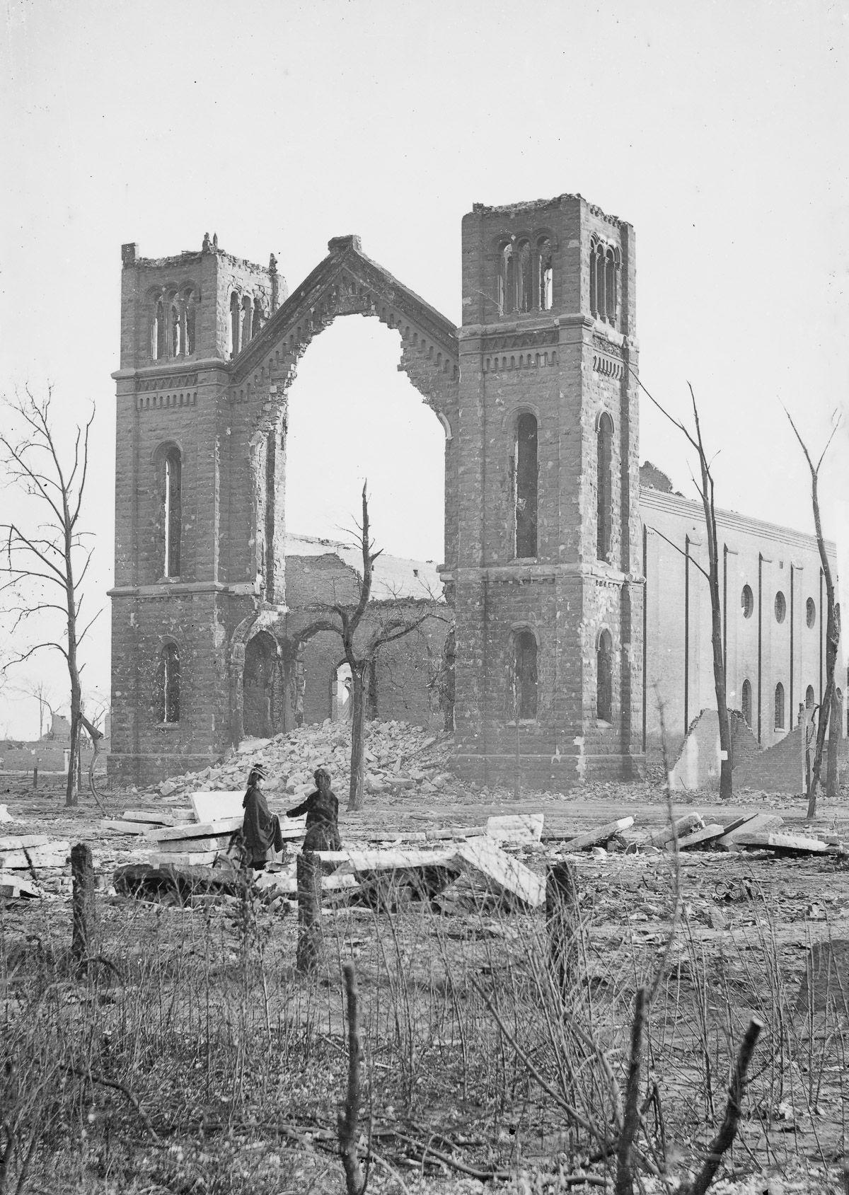 芝加哥的三一教堂(Trinity Church)也被這場世紀大火燒毀。(Getty Images)