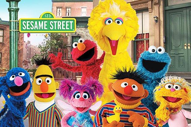 芝麻街,包括大鳥,最為人喜愛的木偶。(Sesame Workshop)