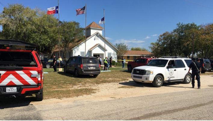 德州教堂大屠殺 槍手開火至少27死