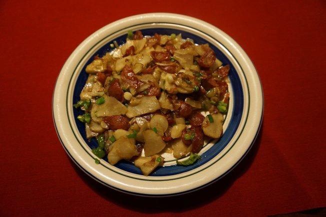 臘腸炒菊芋,簡單易做,味道鮮美。