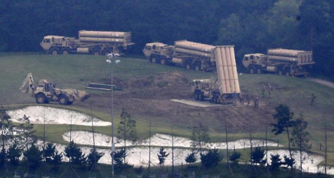 部署在韓國境內的薩德系統導彈,讓美日韓三國海上軍演破功。(歐新社)