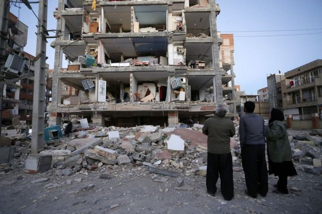 伊拉克和伊朗邊境地區發生規模7.3強震,至少造成450人罹難,逾7000人受傷。(美聯社)