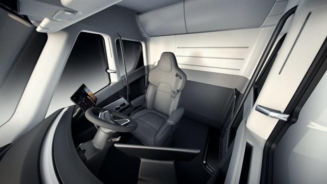 特斯拉電動貨櫃車的駕駛艙。(歐新社)
