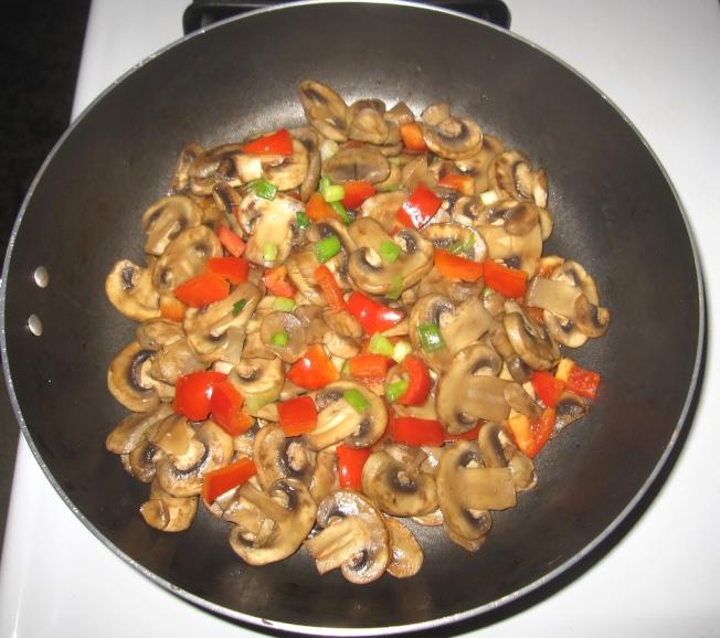 火雞蔥蛋蘑菇捲