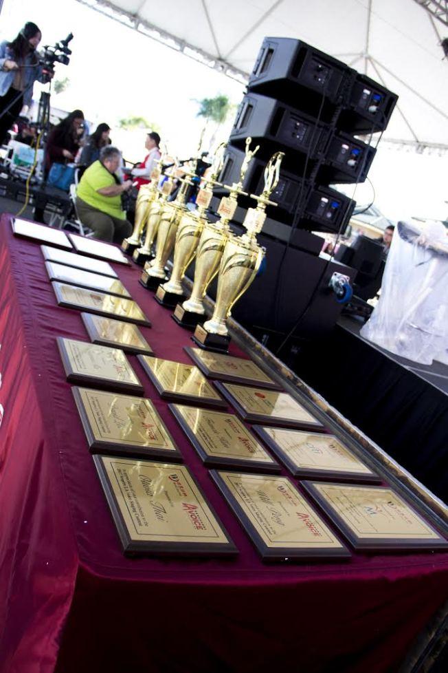 本屆世界好聲音LA Voice優勝者除了獲頒獎盃與豐厚獎金外,還可獲得經紀公司簽約。(Jay 提供)