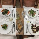 法國巴黎開設「裸體餐廳」沒有全裸不准入場!