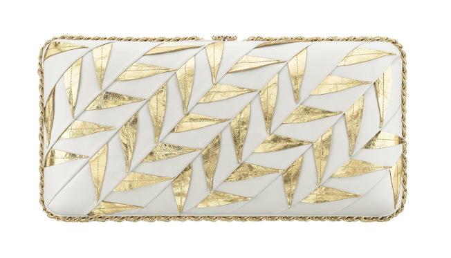 金色月桂葉皮革手拿包。