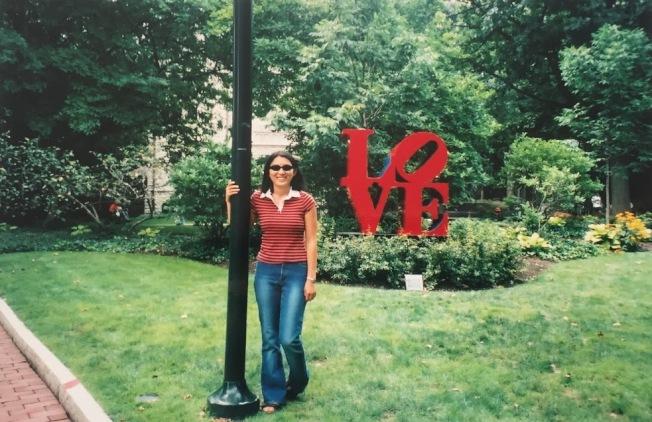 女兒在賓州大學校園。(張萍提供)