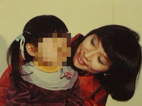 楊愛倫遭家暴後,與女兒相依為命。(楊愛倫/提供)