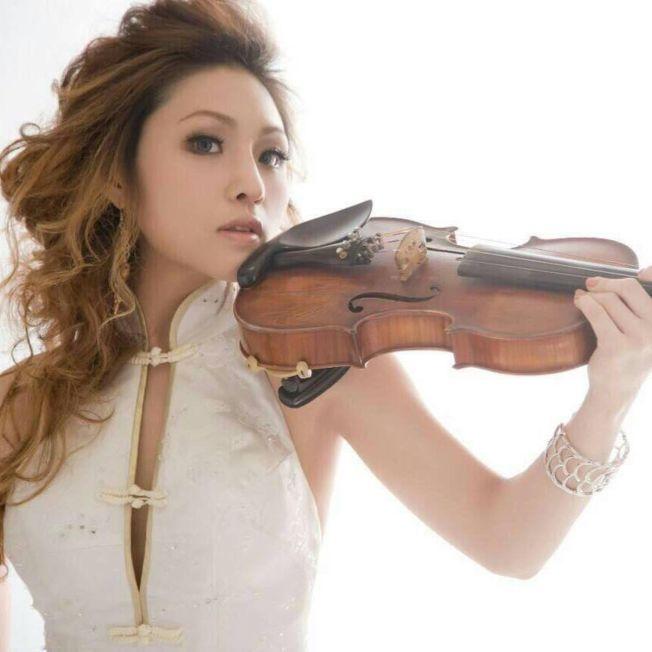 小提琴家李依潔常出現在電視節目和大型活動中。(取材自臉書)