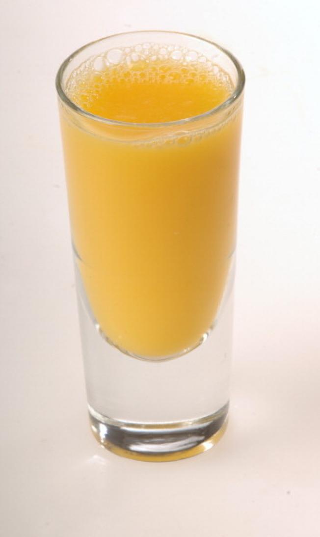 純果汁當白開水喝,也是糖尿病患大忌。(Getty Images)