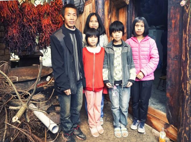 受訪的貧困家庭雖然條件不好,但孩子們卻勤奮刻苦,認真攻讀,希望出人頭地,回報社會。(圖:樹華提供)