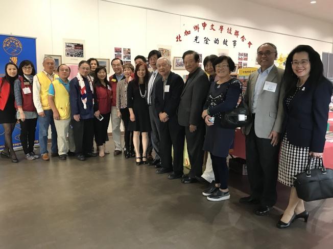 中文學校聯合會在海外推動華語文教育已40年,目前在南灣僑教中心舉辦回顧展,展出至12月10日。(圖:僑教中心提供)