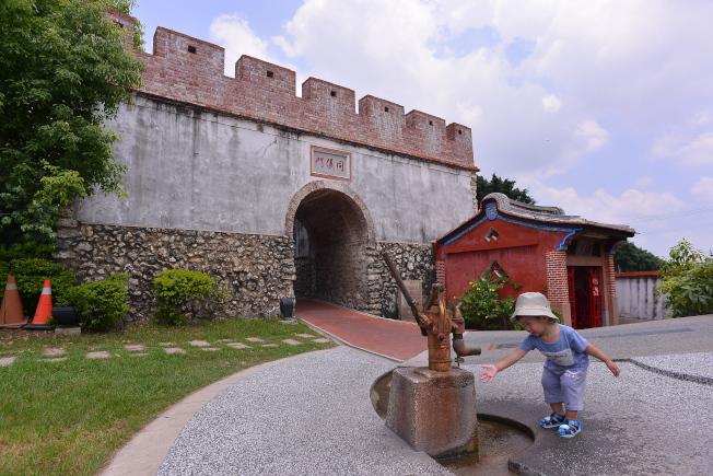 鳳山建城兩百多年,韻味多姿。(取材自天下雜誌專書《旅行,從高雄出發》)