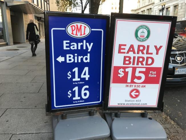 華盛頓特區市內停車供不應求,催生出租停車位賺外快的業務,各商家競爭激烈。(記者羅曉媛/攝影)