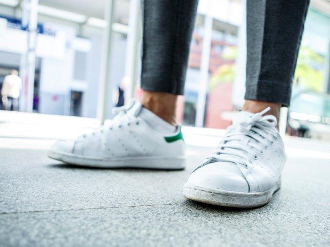 有些東西值得花錢,連小氣鬼都不應省,例如一雙好的運動鞋。(Getty Images)