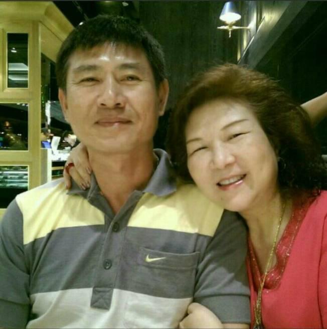 血濃於水,王祖瓊很希望能有機會再次見到母親。左為夫婿湯舟。(圖:王祖瓊提供)
