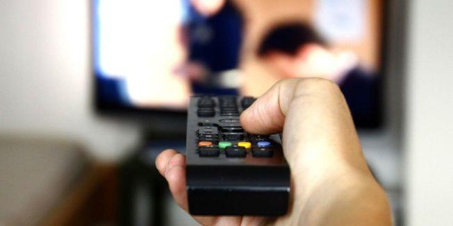 由Sony和21世紀福斯分公司等22家業者組成的反盜版聯盟(CAP)指出,新加坡用戶合法購買電視機上盒,但卻可藉此觀看數千部未經合法授權的電影、電視和直播運動賽事。(圖/網照)