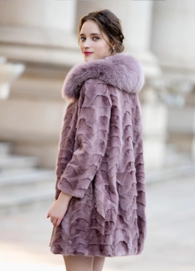 貂皮大衣。