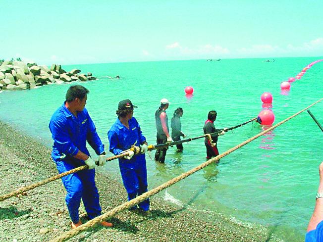 美國「國家利益」雜誌刊文指出,海底電纜是台灣致命弱點,若遭中國大陸攻擊,將擾亂國際商業和金融市場。(本報資料照片)