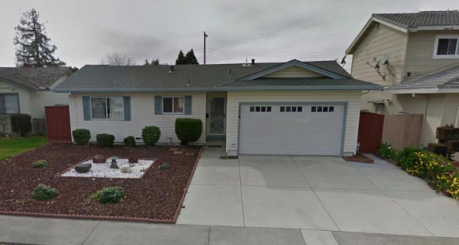 這棟位於聖荷西Tulipwood街的四臥房子,10月的成交價要98萬6000元。(圖:房地產公司提供)