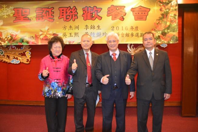 吳玉熙(左二)兩年監事長任職期滿將卸任。(記者高梓原/攝影)